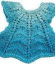 Blumenbunt: Strickpuppe HABIBA Kleid blau